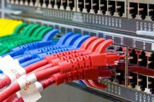 Netzwerk-Switch und UTP-Ethernet